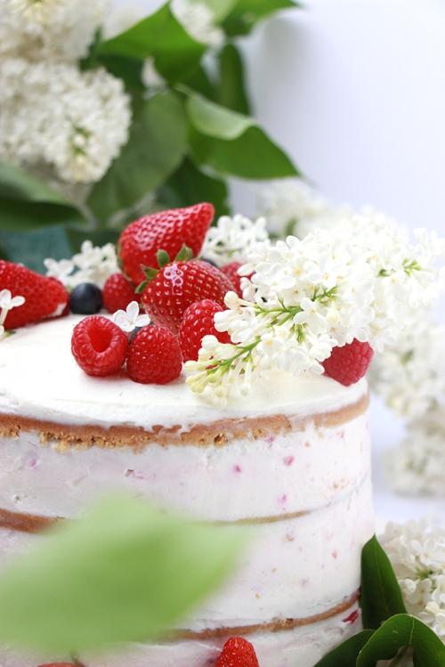 Naked_cake_Fraise_devorezmoi_02