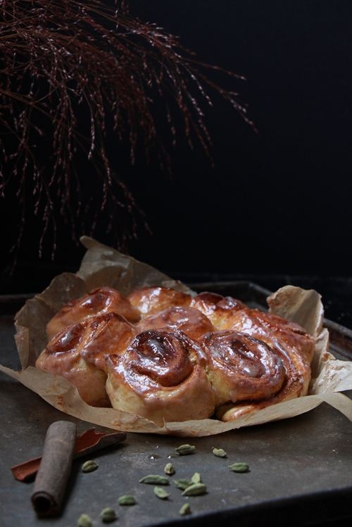 Cinnamon_and _cardamom_rolls_devorezmoi_02