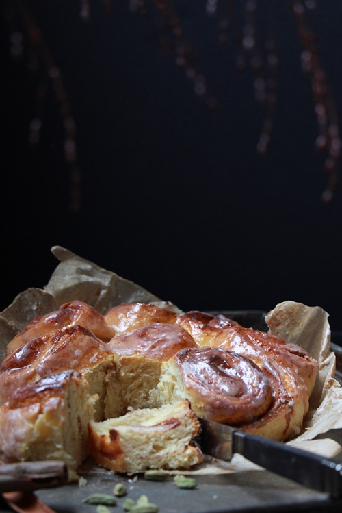 Cinnamon_and _cardamom_rolls_devorezmoi_06