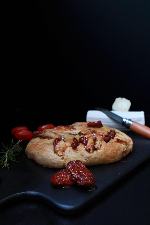 Fougasse_chevre_tomatesechee_devorezmoi_01