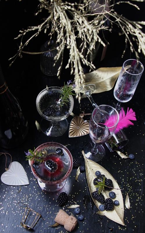 Coctail_champagne_mure_myrtilles_romarin_devorezmoi_09