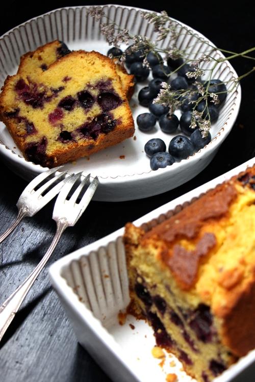 Cake_mais_myrtilles_devorezmoi_03
